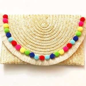 Stylish Straw Clutch Perfect For Fall